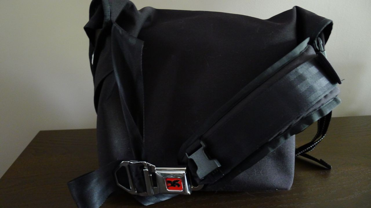 buy popular 797e6 02a60 Chrome Messenger Bags Review - Metropolis and Citizen
