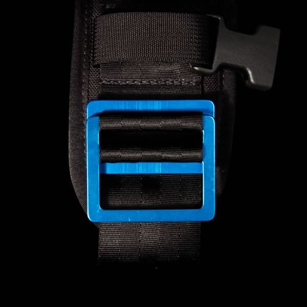 The buckle colors are customizable. Image from MissionWorkshop.com