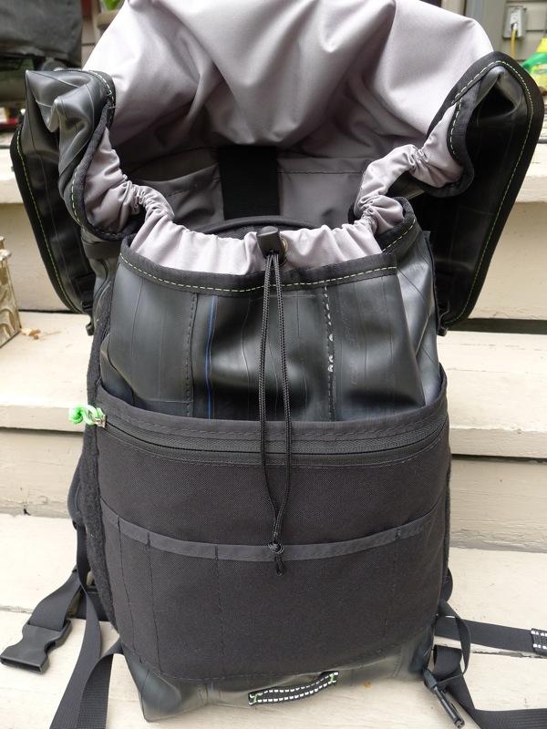 The Ruckus bag showing the drawstring singe strap