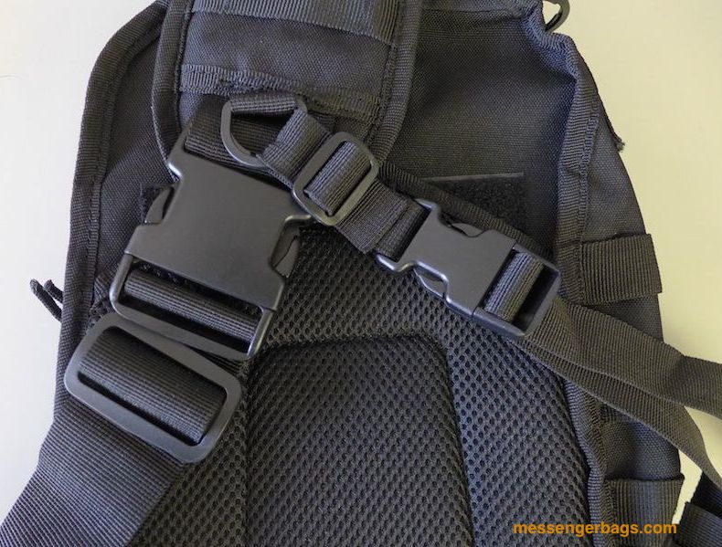 Shoulder strap detail showing the chest stabilizer strap and D rings.